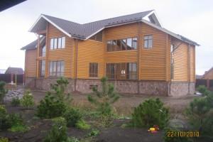 Построенный дом из бруса